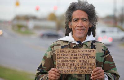 Вещи бездомного уйдут с молотка