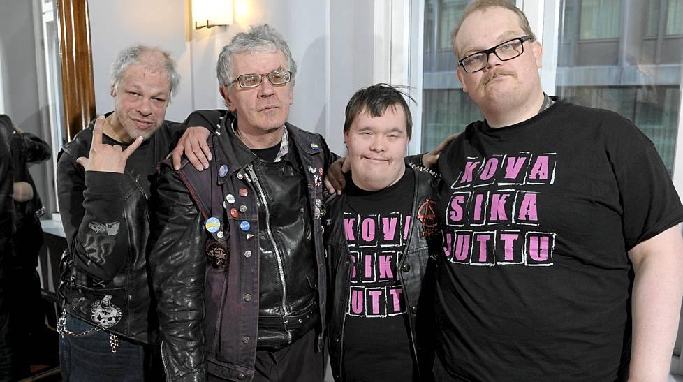 Punks not dead. Как люди с ментальной инвалидностью создали группу и пробиваются на Евровидение